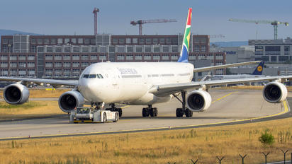 ZS-SNH - South African Airways Airbus A340-600