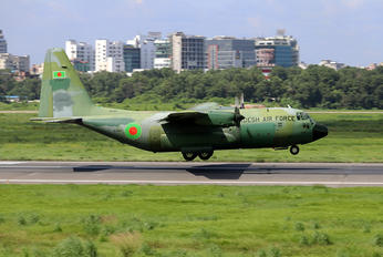 S3-AGD - Bangladesh - Air Force Lockheed C-130B Hercules