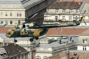 704 - Hungary - Air Force Mil Mi-17