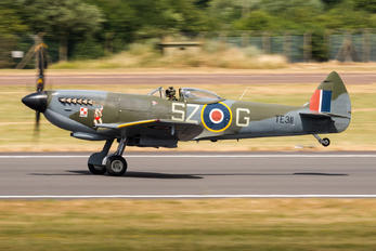 "TE311 - Royal Air Force ""Battle of Britain Memorial Flight"" Supermarine Spitfire"