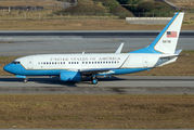 Rare visit of USAF Boeing C-40 to Sao Paulo title=