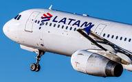 PT-MXE - LATAM Airbus A321 aircraft