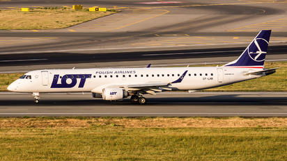 SP-LNK - LOT - Polish Airlines Embraer ERJ-195 (190-200)