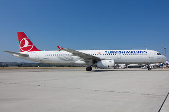TC-JRN - Turkish Airlines Airbus A321