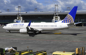 N73275 - United Airlines Boeing 737-800