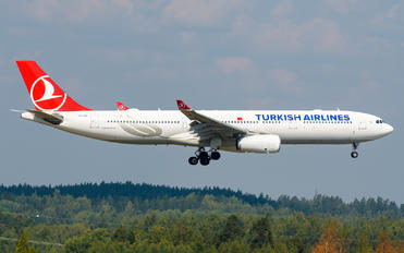 TC-LOC - Turkish Airlines Airbus A330-300