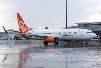 UR-SQB - SkyUp Airlines Boeing 737-8H6
