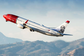 LN-NIJ - Norwegian Air International Boeing 737-800
