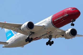G-CKLZ - Norwegian Air UK Boeing 787-9 Dreamliner