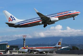 N939AN - American Airlines Boeing 737-800