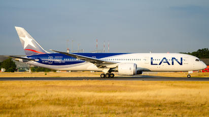 CC-BGH - LAN Airlines Boeing 787-9 Dreamliner