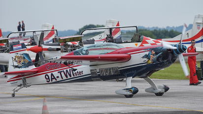 9A-TWI - Private Extra 300
