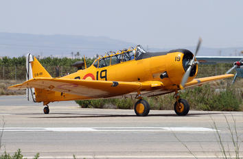 EC-DUN - Fundación Infante de Orleans - FIO North American Harvard/Texan (AT-6, 16, SNJ series)
