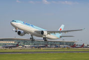HL7524 - Korean Air Airbus A330-300 aircraft
