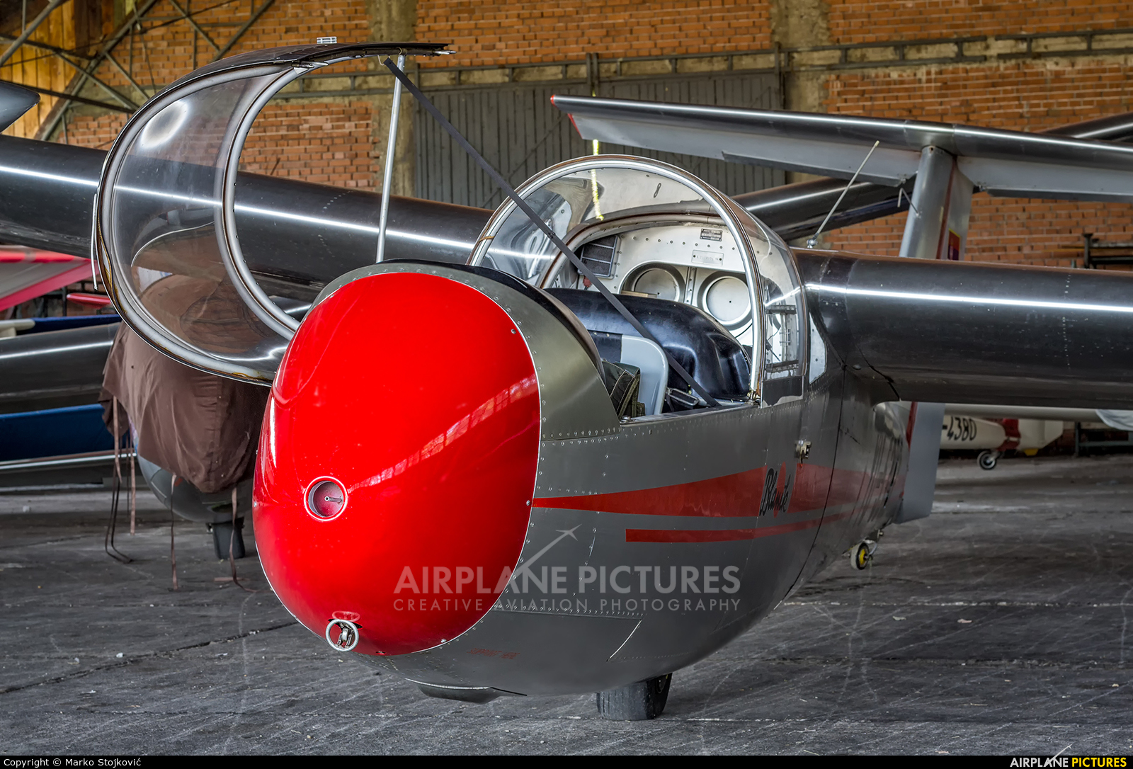 Private YU-5392 aircraft at Trstenik