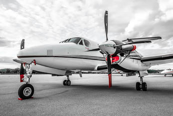 D-IKAH - Private Beechcraft 250 King Air