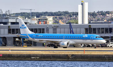 PH-EXC - KLM Cityhopper Embraer ERJ-190 (190-100)