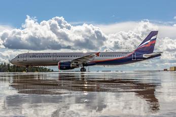 VP-BTG - Aeroflot Airbus A321