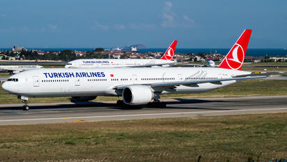 TC-LJH - Turkish Airlines Boeing 777-300ER