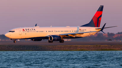 N871DN - Delta Air Lines Boeing 737-900ER