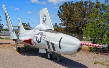 141722 - USA - Marine Corps Grumman RF-9J Cougar.