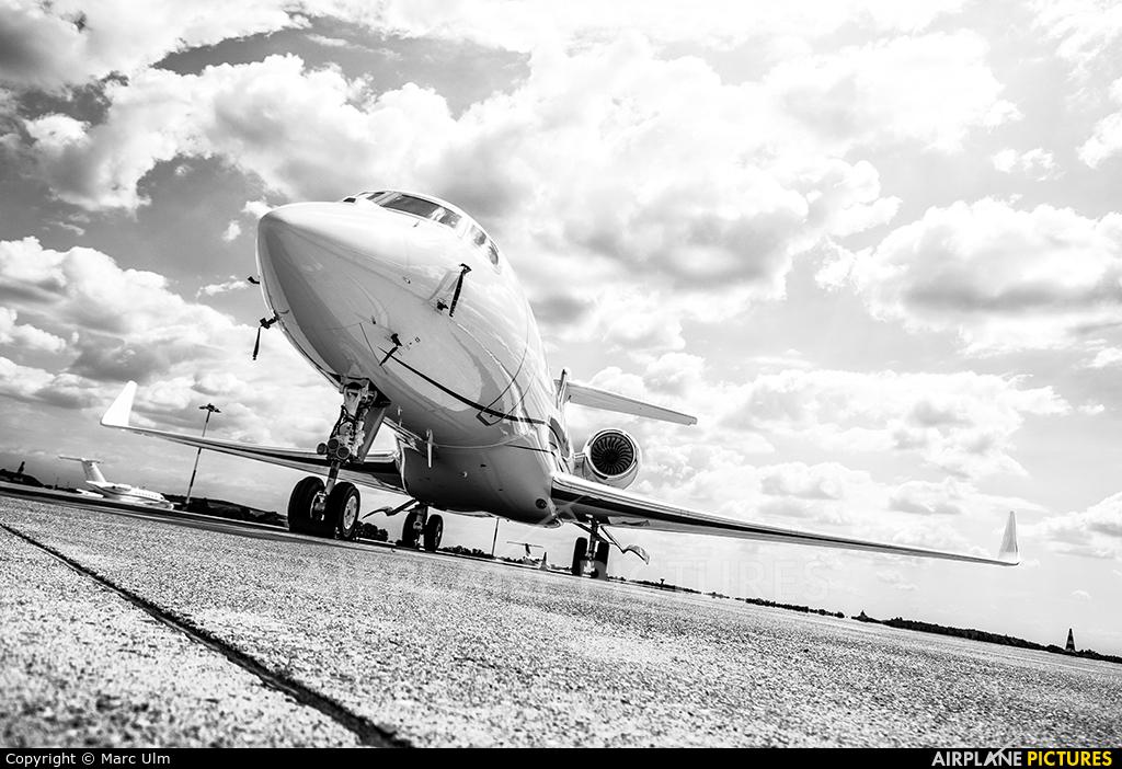 Private N720LF aircraft at Brescia - Montichiari