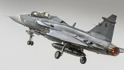 9820 - Czech - Air Force SAAB JAS 39D Gripen