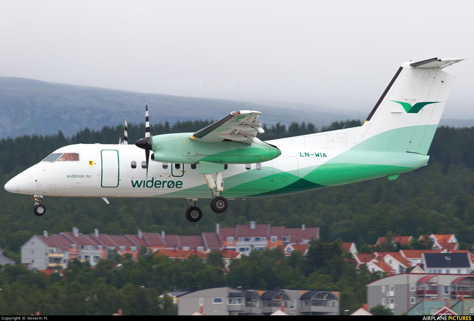 Widerøe LN-WIA aircraft at Tromsø