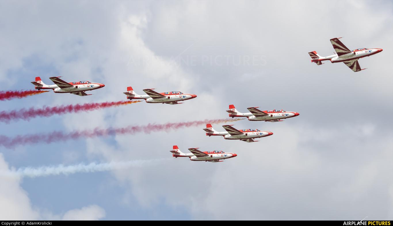 Poland - Air Force: White & Red Iskras 3 aircraft at Bucharest - Aurel Vlaicu Intl