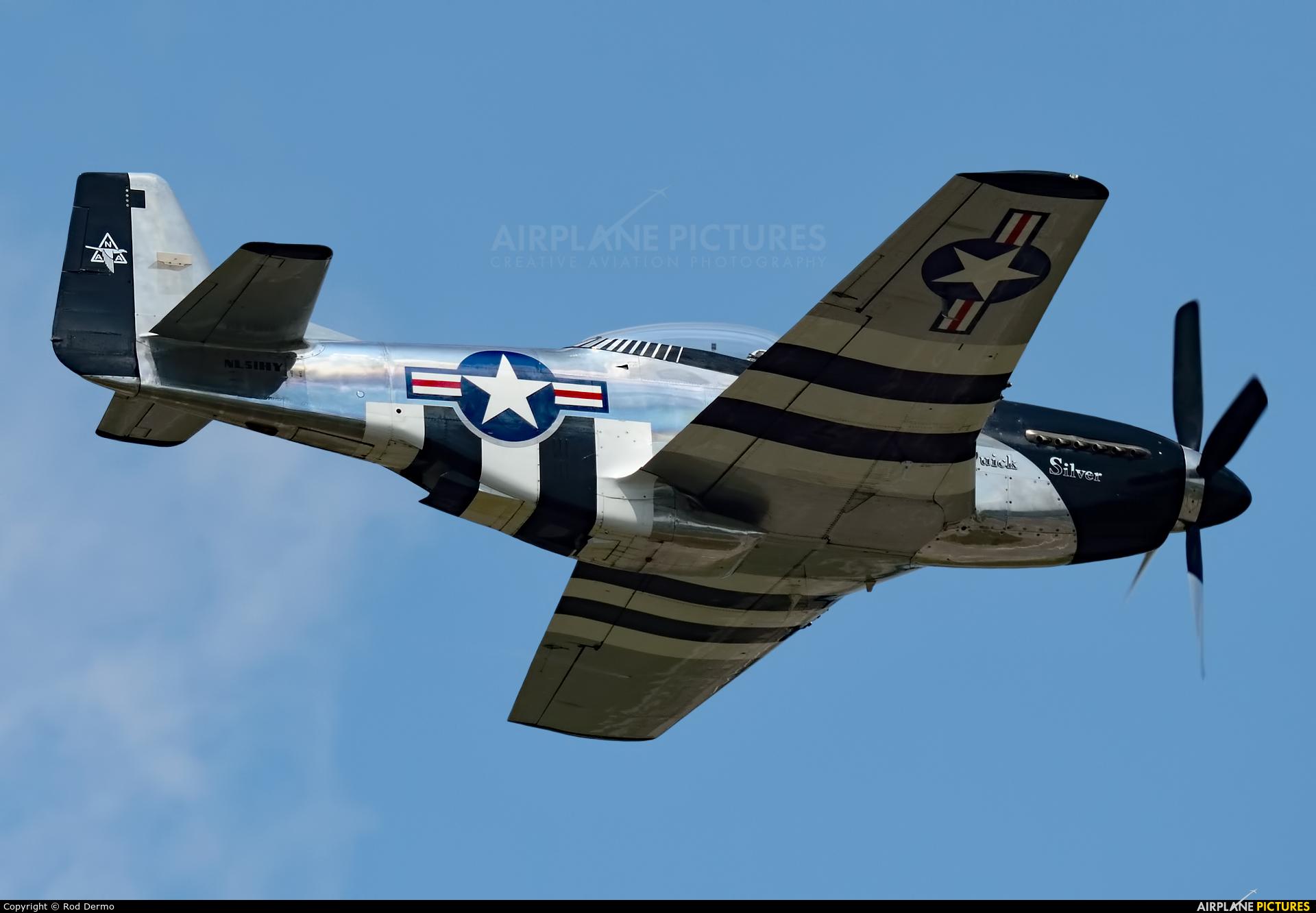 Private NL51HY aircraft at Battle Creek - W K Kellogg