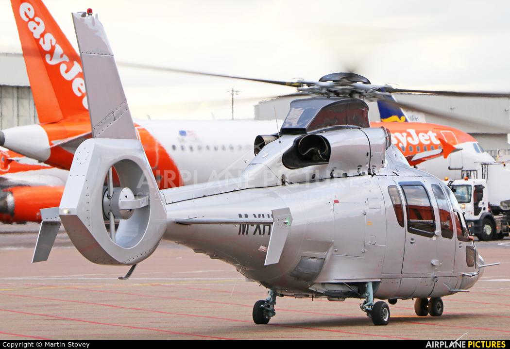 Private M-XHEC aircraft at London - Luton
