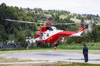 SP-SXW - Tatra Mountains Rescue (TOPR) PZL W-3 Sokół
