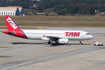 PR-MBG - TAM Airbus A320