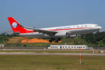 B-8962 - Sichuan Airlines  Airbus A330-200