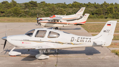 D-EMYA - Private Cirrus SR22