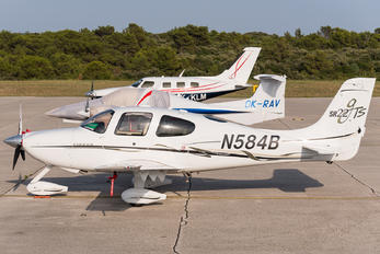 N584B - Private Cirrus SR22T