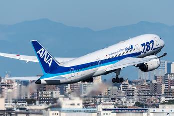 JA817J - ANA - All Nippon Airways Boeing 787-8 Dreamliner