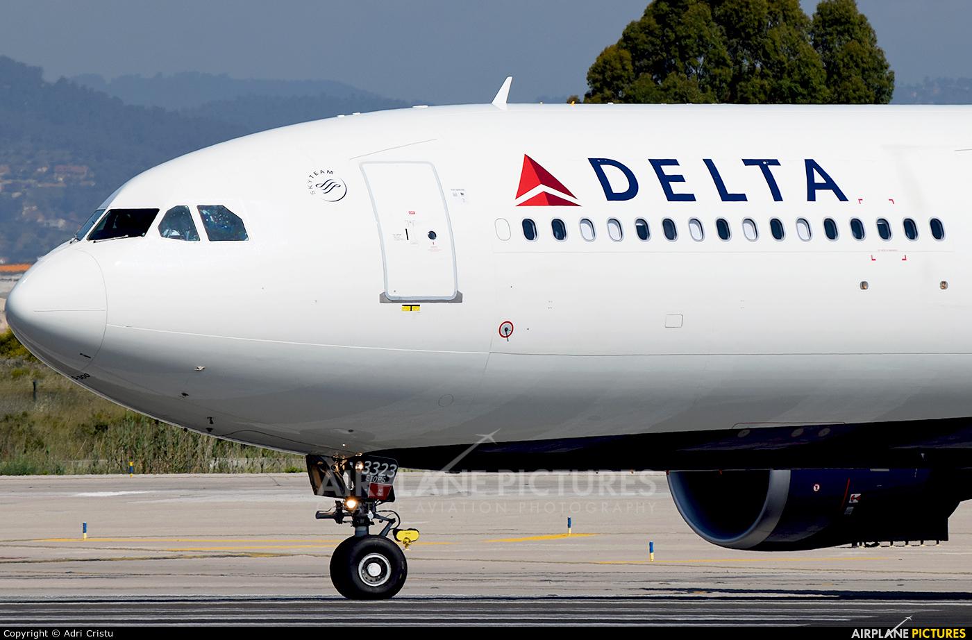 Delta Air Lines N823NW aircraft at Barcelona - El Prat