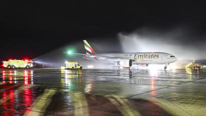 A6-EWI - Emirates Airlines Boeing 777-200LR