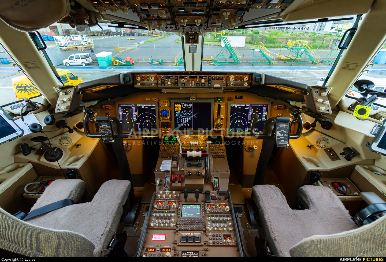 N125FE - FedEx Federal Express Boeing 767-300F at Campinas