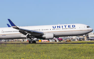 N648UA - United Airlines Boeing 767-300ER