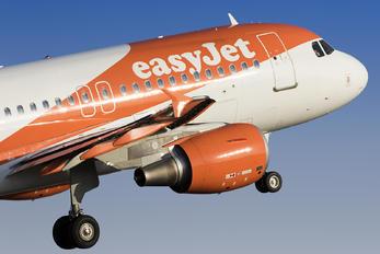 G-EZFL - easyJet Airbus A319