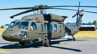 16-20838 - USA - Army Sikorsky UH-60M Black Hawk