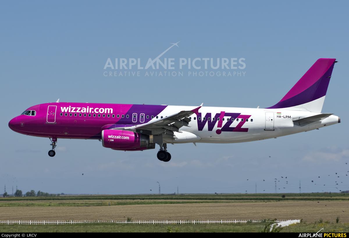 Wizz Air HA-LPM aircraft at Craiova