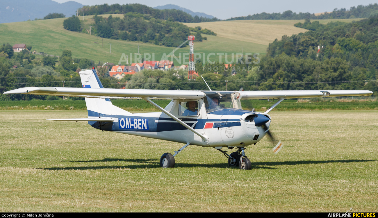 Private OM-BEN aircraft at Prievidza