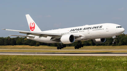 JA710J - JAL - Japan Airlines Boeing 777-200ER