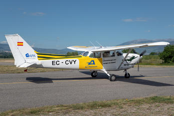 EC-CVY - Private Cessna 172 Skyhawk (all models except RG)