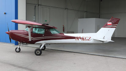 SP-KGZ - Private Cessna 152