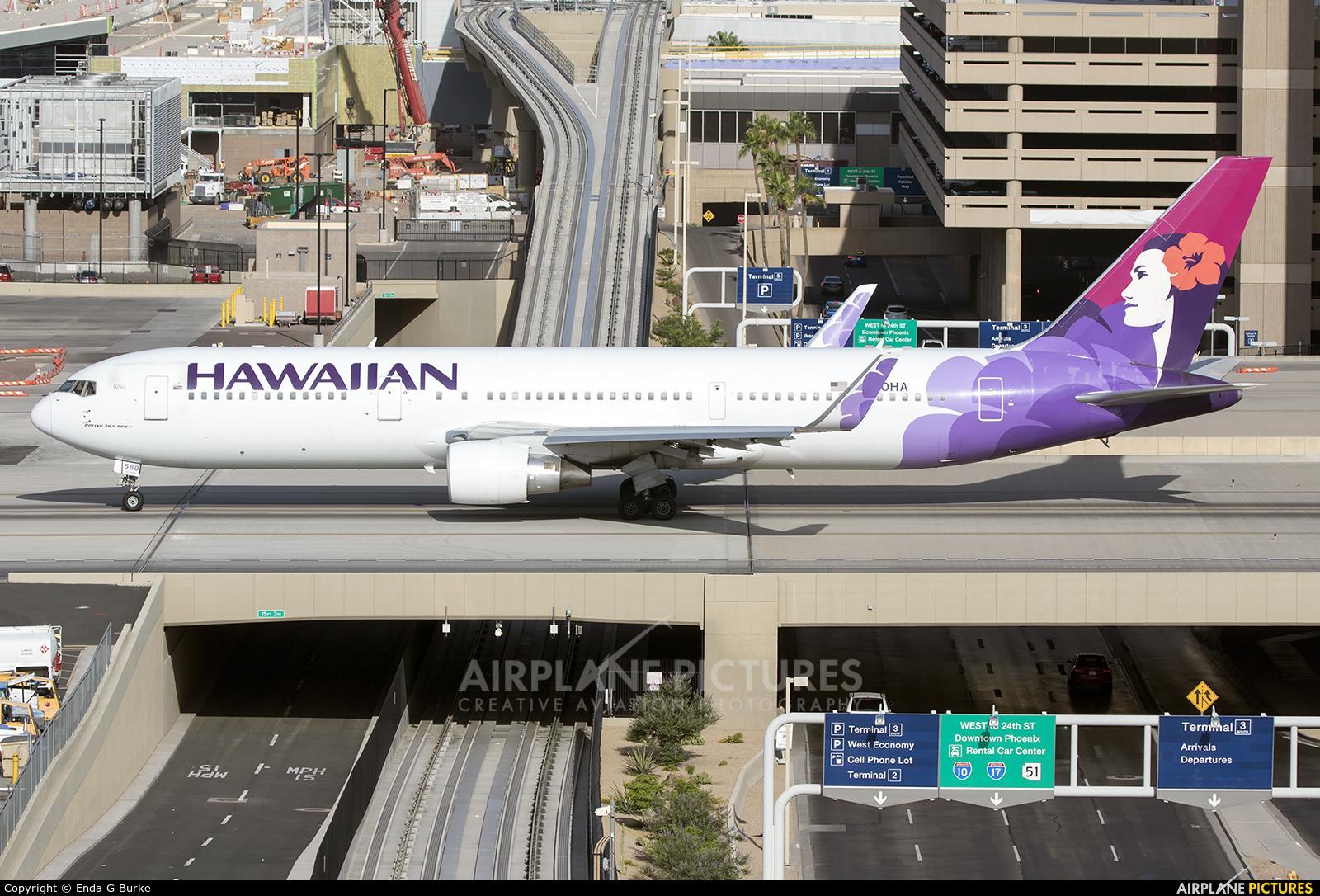 Hawaiian Airlines N580HA aircraft at Phoenix - Sky Harbor Intl