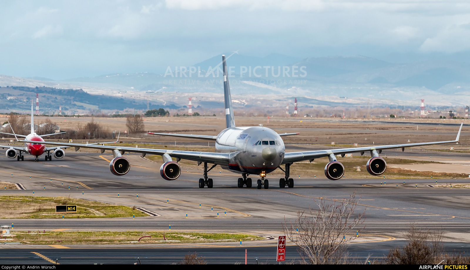Cubana CU-T1717 aircraft at Madrid - Barajas